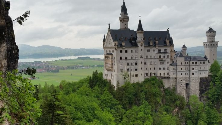 Palace perfection. King Ludwig's masterpiece: Neuschwanstein castle.