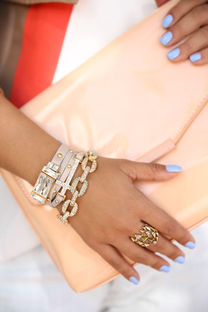 Harlow beige leatherbracelet, Veronica beige leather wrapbracelet, Adriana crystal linkbracelet& House of Harlow pyramid wrapring. Gorgeous combination