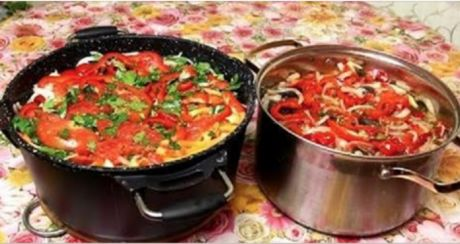 Квашеные баклажаны на зиму — пожалуй, самый удачный рецепт блюда из баклажанов   Ингредиенты:    свежие баклажаны — 3 килограмма;  сладкий болгарский перец — 0,5 килограмма;  свежие помидоры — 700 грамм;  зелень сельдерея — большой пучок;  чеснок — 2-3 головки;  лук репчатый — 3 средние…