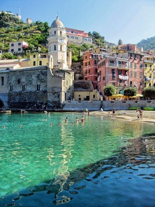 Vernazza we Włoszech #summer #beach #town #nature #water #italy #journey #vernazza #ar