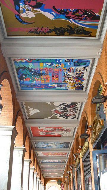 plafond des arcades de la place du capitole