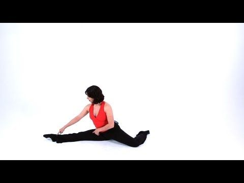 Advanced Jazz Dance Moves: Calypso Leaps This is helpful. If only she would face the front while doing the leaps. And tighten her arms.  #precisionjazzprobs