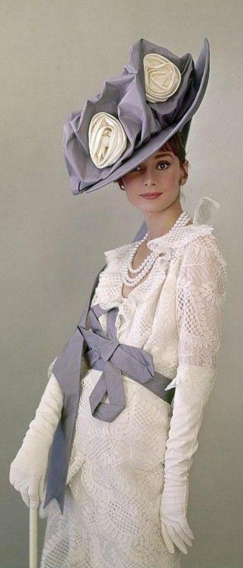 Audrey Hepburn as  Eliza Doolittle in My Fair Lady, 1964  (detail) // Sir Cecil Beaton  #sombrero #pingletonhats #hat   #estilo #style #fashion #hombre #men #increible #película #film #tv #serie   http://www.pingletonhats.com/es/