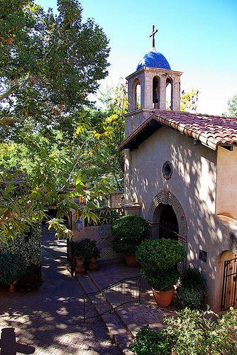 Wow, I would love a  Tlaquepaque Chapel - Sedona / http://www.dancamacho.com/tlaquepaque-chapel-sedona/