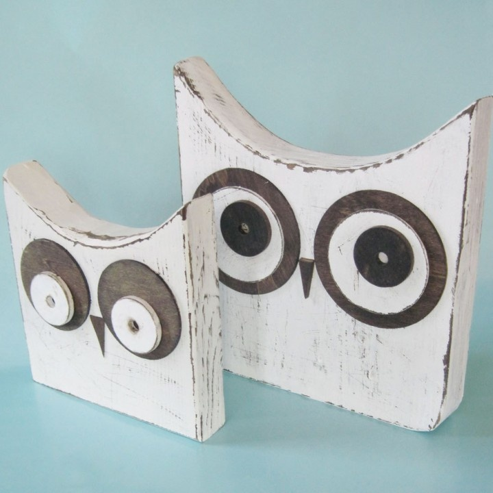 Set of 2 Distressed White Wood Owls.  For sale.  Not a tutorial.  But so cute!  I'd love to make my own version!