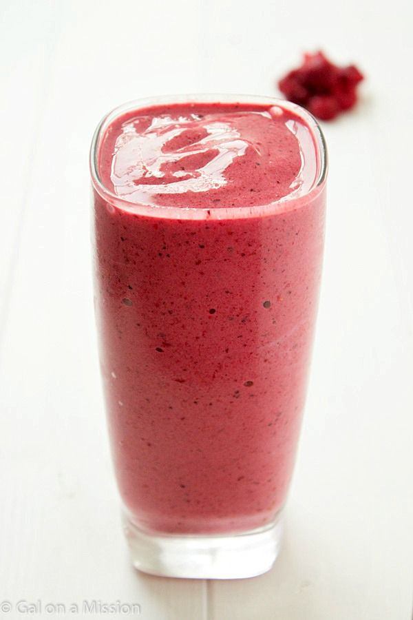 A refreshing and delicious mixed berry smoothie recipe! Perfect for a midnight snack or for breakfast!