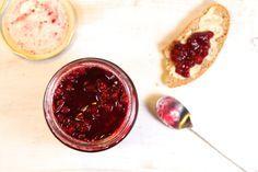 Die einfachste Marmelade der Welt und noch dazu zuckerfrei: Preiselbeeren!