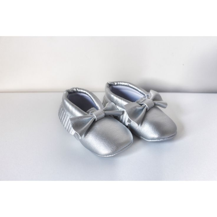 Silver Bow Moccasins baby infant shoes💛 $19.99