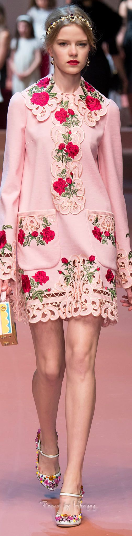 Dolce & Gabbana, Fall 2015 https://www.pinterest.com/SamaraRich/beuatiful-pink/