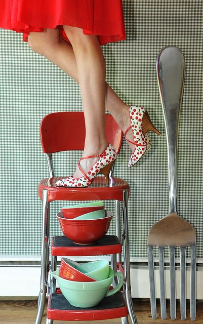 had a stool like this in our 1950 kitchen...
