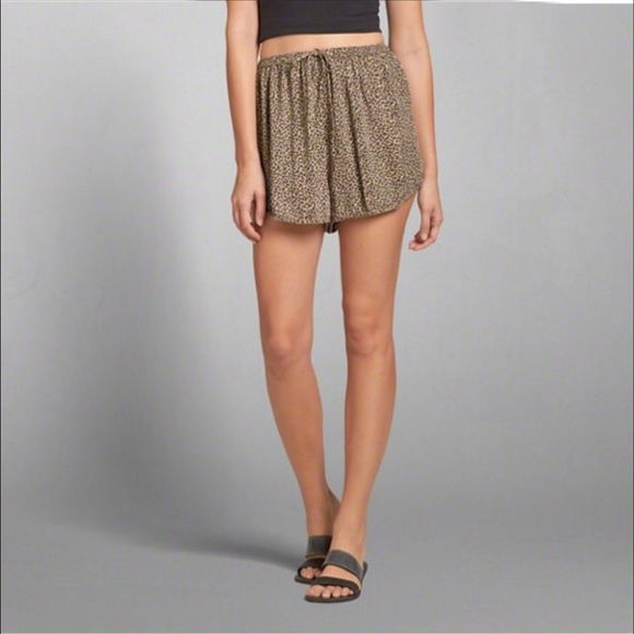 FLASH SALEAbercrombie & Fitch Cheetah Shorts Loose, flowy, Abercrombie & Fitch shorts are soooo comfy and perfect for a hot summer day! Brand new with tags! Size: S (definitely fits more like a Medium!) Abercrombie & Fitch Shorts