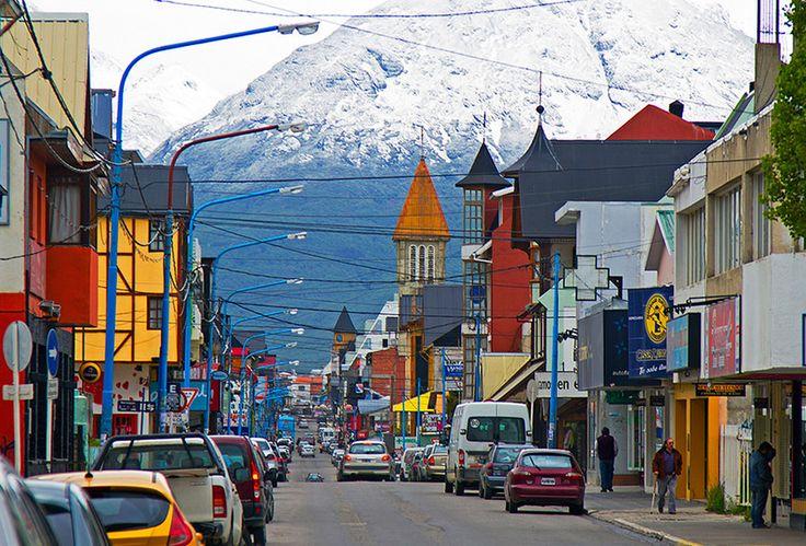 El Chalten en la Patagonia uno de los lugares    mas alejados del planeta, visitado por los fans del trekking de todo el mundo