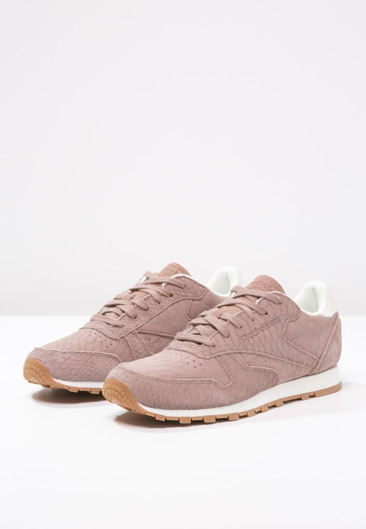 sneakers reebok classic classic clean exotic sneakers laag taupe chalk taupe 89 95 bij. Black Bedroom Furniture Sets. Home Design Ideas