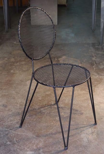 Mesas y sillas en metal de estilo industrial en hierro y madera envejecida ,: sillas exterior hierro