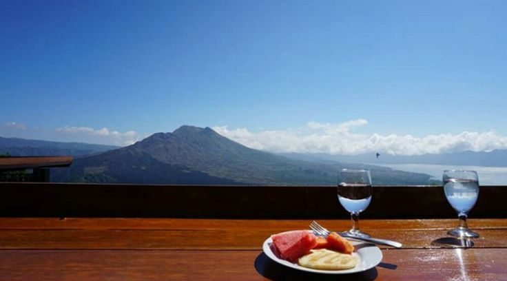 This tour package is combination of mt Batur Sunrise Trekking, hot springs tour and lunch at the bes
