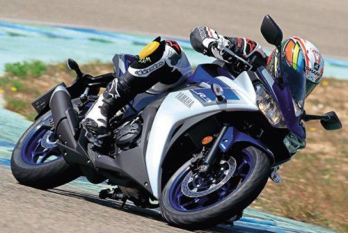 2015 Yamaha YZF R3 Review, Best Bike For New Rider !
