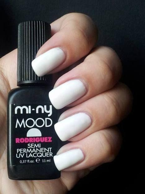 RODRIGUEZ Smalto semipermanente BIANCO ASSOLUTO by MI-NY. Ideale per french manicure.  SHOP ON-LINE: http://www.minyshop.com/it/mood-colors/265-rodriguez.html  #nails #naillacquer #White #semipermanent #nailpolish #manicure #miny #minycosmetics #swatches #girls