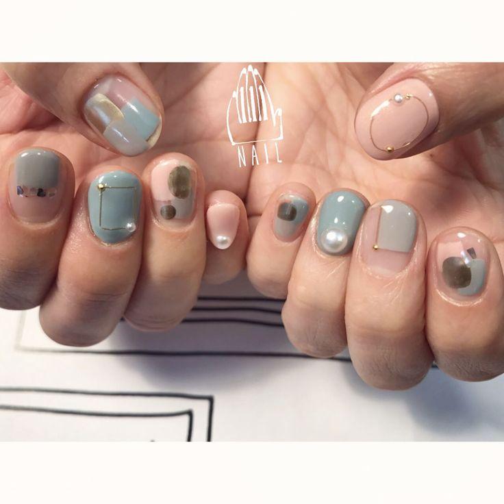 ▫⚪️▪️◽▫⚪️ #nail#art#nailart#ネイル#ネイルアート #contemporary#クリアネイル#くすみカラー#metallic#ショートネイル#nailsalon#ネイルサロン#表参道 #contemporary111 #blue111#クリアネイル111 (111nail)