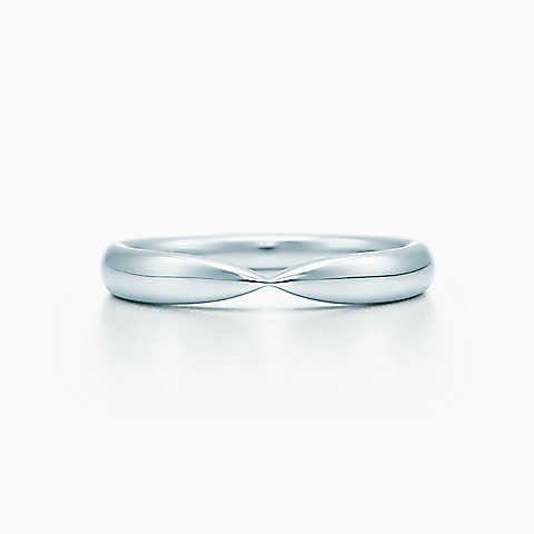 Tiffany Harmony™ wedding band in platinum, 3 mm wide.