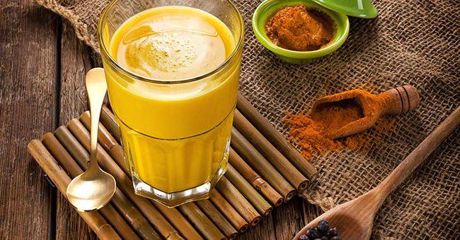 Le lait d'or est en fait une combinaison d'herbes et d'épices avec du lait de coco, le tout réchauffé pour donner une boisson délicieuse pleine de bienfaits pour la santé que vous pouvez consommer à tout moment de la journée, bien que les meilleurs moments soient au lever et au coucher. Le lait d'or est …