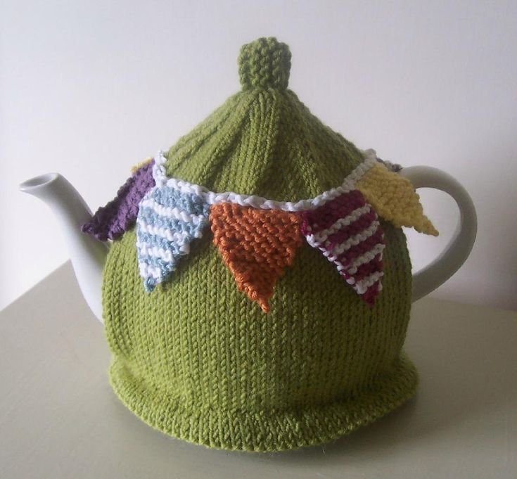 A bright and beautiful tea cozy to bring a summer garden party to your table all year a round! Simple to knit in the colours of your choice - download the pattern from LoveKnitting!