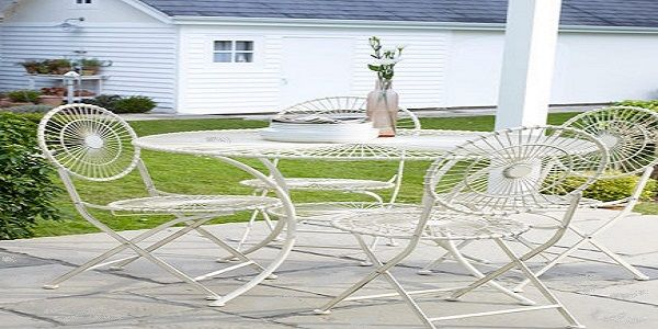 Stunning Ideas for Garden and Terrace with Metal Table