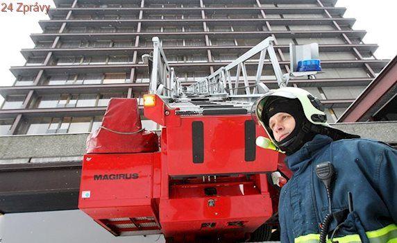 Dobrovolní hasiči si přilepší. Jejich výbava už dotahuje profesionály