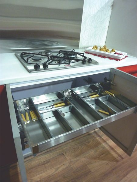 Satin Silent Cutlery Drawer  Pull out cutlery basket Anti scratch stainless base 35 kgs loading capacity Soft closing mechanism This drawer includes heavy duty concealed runners