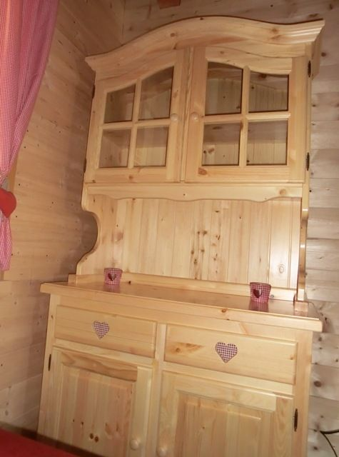 17 best images about credenze rustiche in legno for Arredamenti rustici