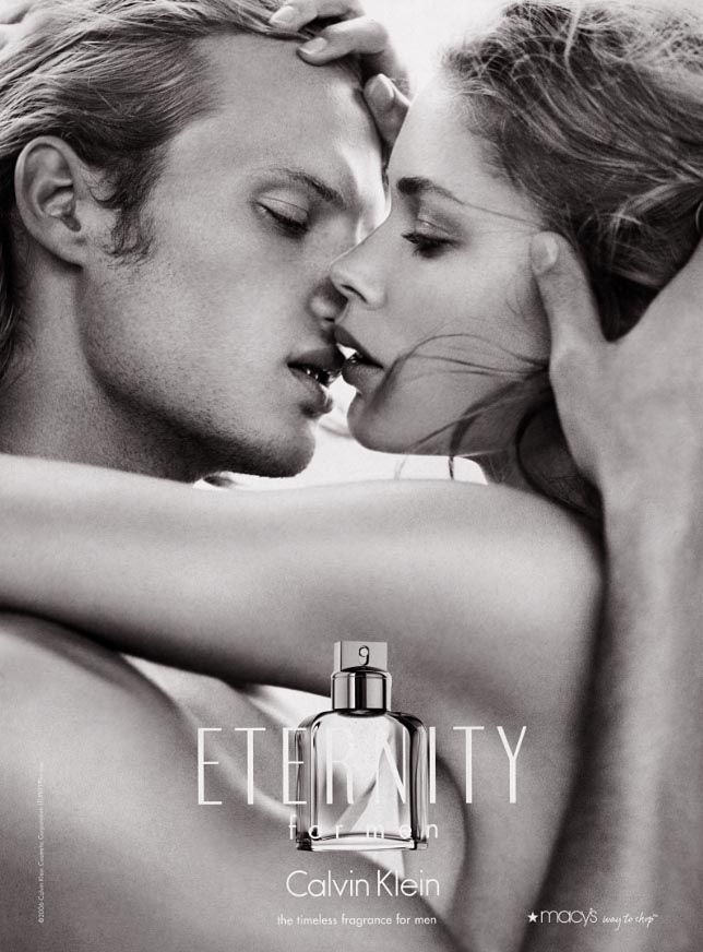 I think it was the best choice to replace Christy Turlington with Doutzen Kroes in CK Eternity ads. Here with Karl Lindman for 2009 campaign.