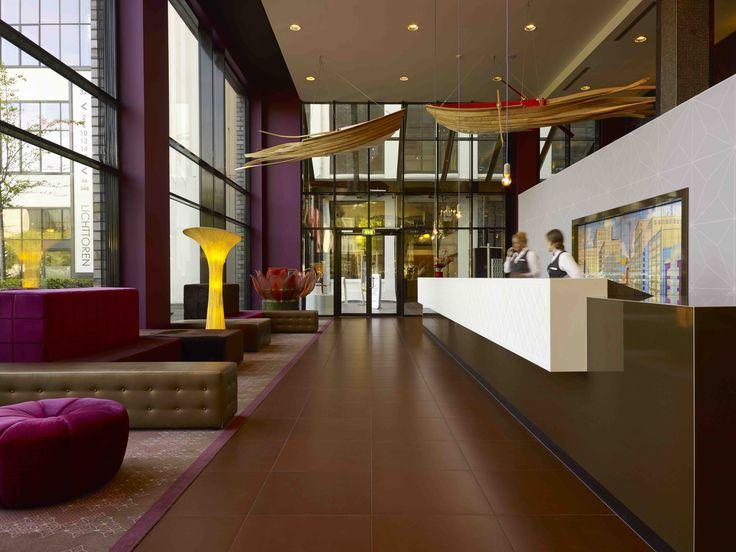 receptie - lobby  ontwerp Ab Oosterhof Interieurarchitect Inntel Art hotel