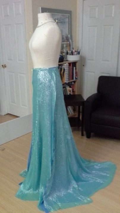 elsa skirtAngela Clayton, Elsa Costumes, Elsa Diy Costume, Elsa Cosplay Tutorial, Clayton Costumeri, It S Challenges Pretty Dresses, Frozen, Elsa Dresses, Elsa Skirt