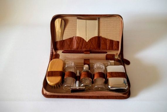 Check out this item in my Etsy shop https://www.etsy.com/se-en/listing/481831369/1960s-swedish-gentlemans-grooming-set