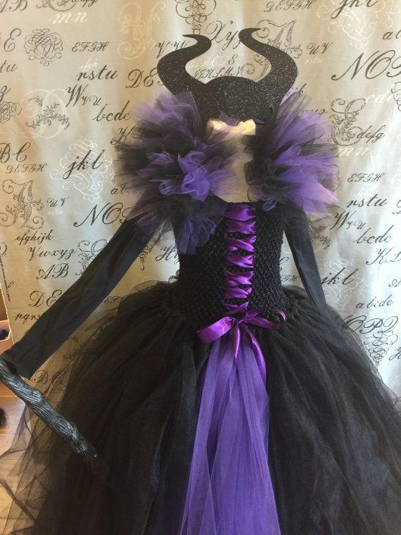 Maléfica mal Reina vestido con cuernos por AuntieLisasBoutique
