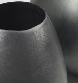 Vase jarre en terre cuite noir mat (2 tailles) Serax
