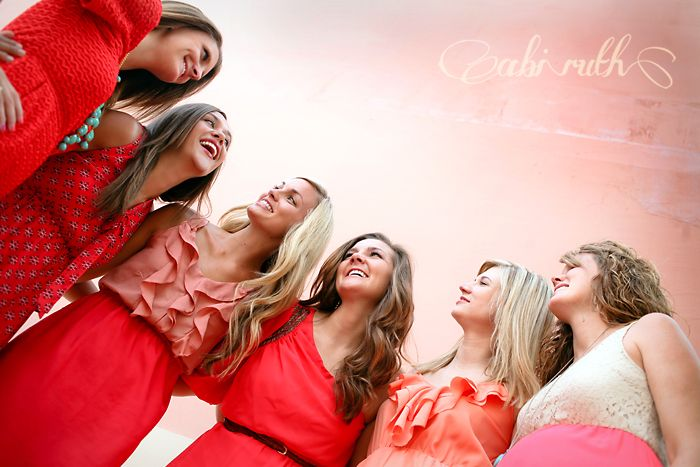 fun group picture; laughing friends; photo shoot ~ just some pretty girls being best friends » Abi Ruth
