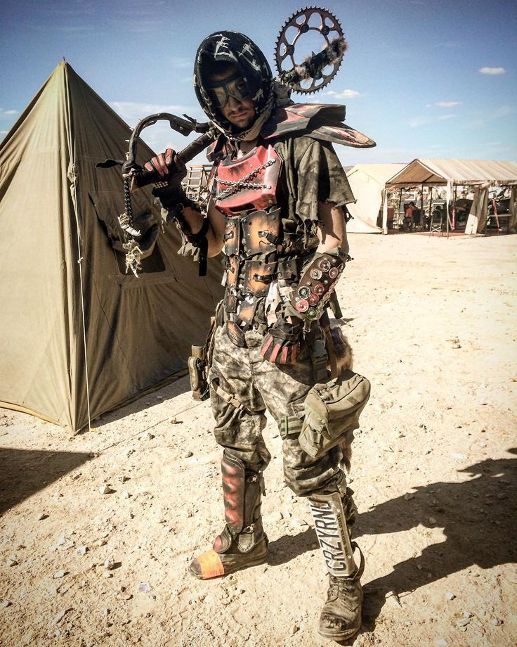 """""""@zach_the_fish showing off the motorcycle plastics armor we made :) #wasteland #wastelandweapon #wastelandcostume #wastelandwarrior #wastelandweekend…"""""""