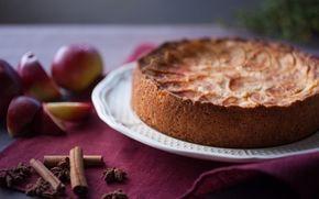 Omena-Piparkakkupiirakka yhdistää ihanat joulun maut!