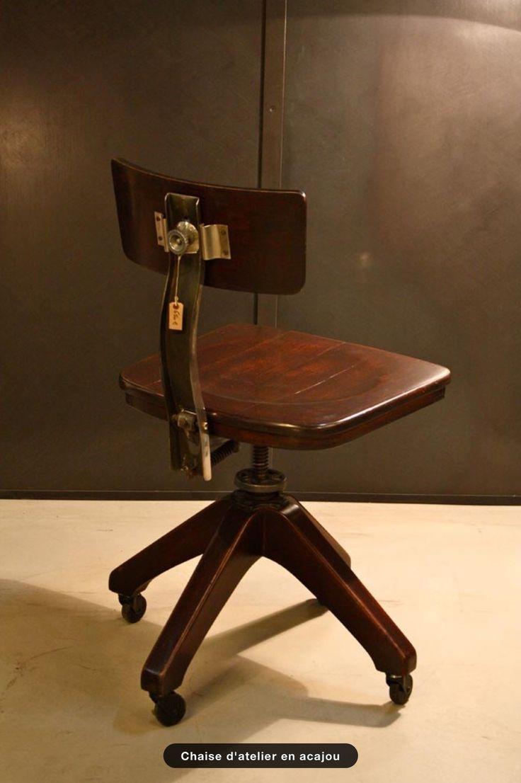 Практикум кресло из красного дерева