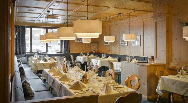 Booking.com: Alpenhotel Valluga , Zürs am Arlberg, Austria - 93 Guest reviews . Book your hotel now!