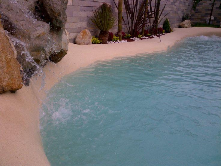 Las 25 mejores ideas sobre cascada de la piscina en for Construccion de piscinas en mexico