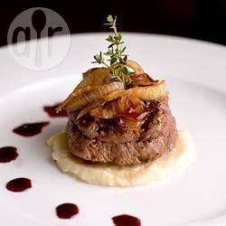 De moeite waard! Mals en vol van smaak, geweldig voor een feestelijk etentje. Maak de saus een dag tevoren om de bereidingstijd te beperken.