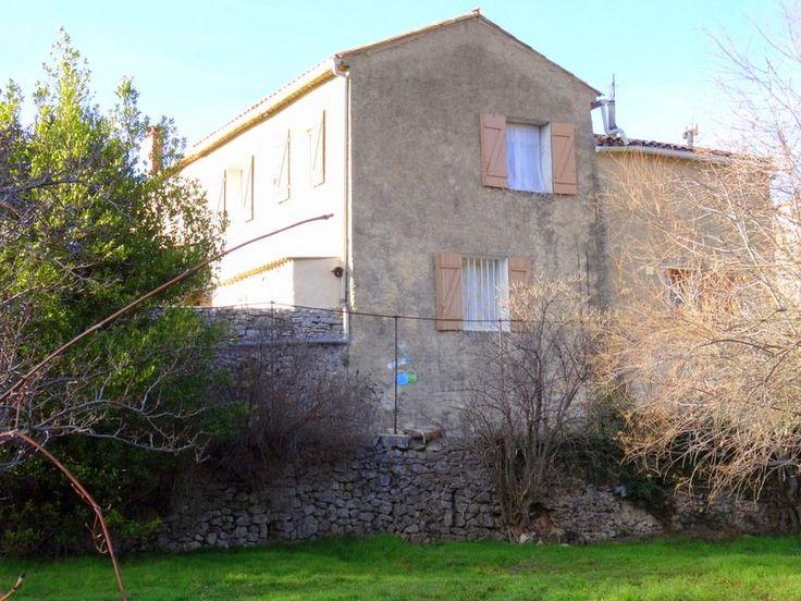 Maison de village + gite proche Gordes (Luberon) à vendre entre particulier sur le site #Immofrance International Prix: 180.000€  https://youtu.be/Zmr16GT3w6A