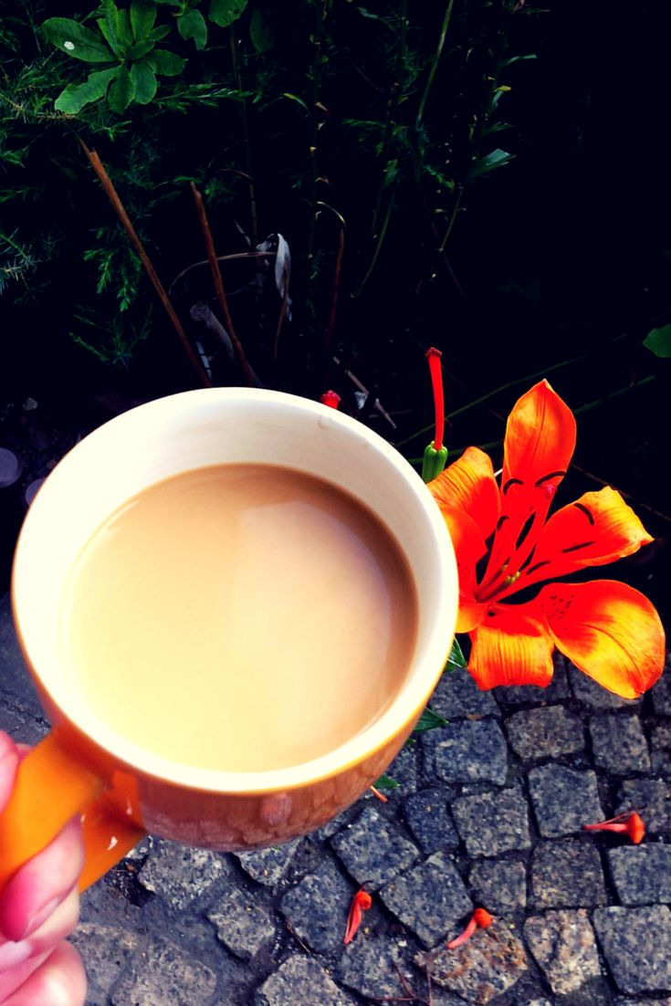 It's coffee time :D #coffeetime #coffee #coffeeaddict #coffeebreak #breakatwork #flowers #flower #flowerstagram #cupofcoffee