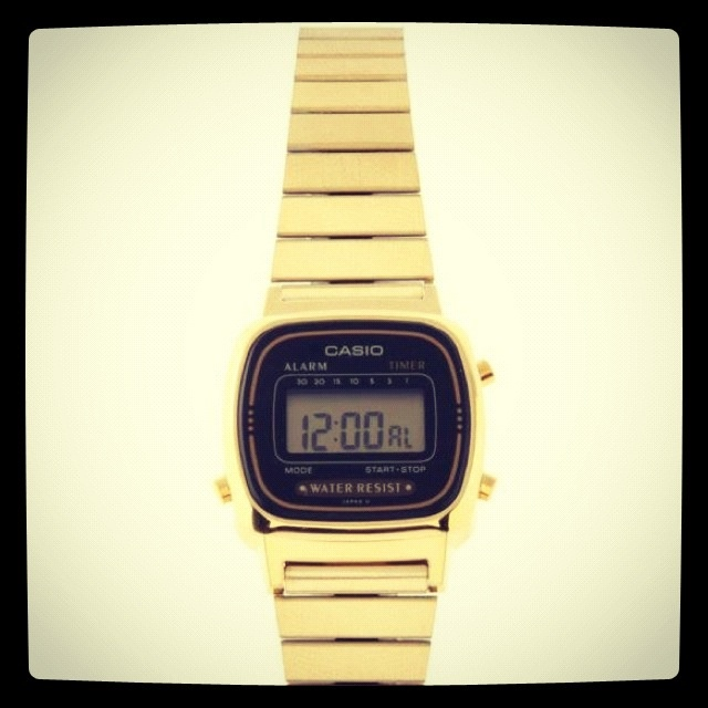 We <3 this retro classic Casio mini gold available in Fields from next week :)