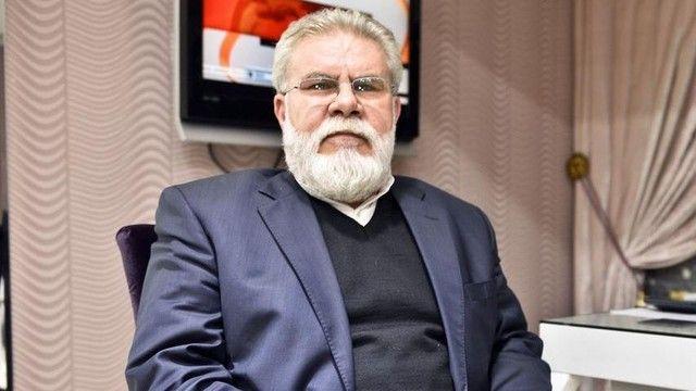 C4� Hasan Yılmaz nedeni ile yürütülen soruşturmaya, Tahşiyeciler adlı bir gruba yönelik, El Kural terör örgütü ile bağlantısı bulunduğu iddiasıyla, çağın Ceza Muhakemesi Kanunu nun (CMK) 250. maddesiyle görevli özel yetkili İstanbul Cumhuriyet Başsavcıvekilliği nin talimatı doğrultusunda, bazı şehirlerde eş zamanlı yapılan operasyonun konu edildiği bilgisine ulaşıldı. Gazetecilerin 14 Aralık yorumları için TIKLAYIN Başsavcılığın, 31 şüphelinin ismini açıkladığı soruşturmanın tek müştekisi…