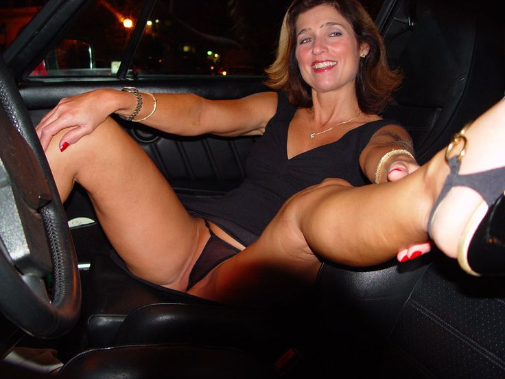 This incredibly sexy Milf loves cum on her face. She loves to be covered with cum, because that is good for her skin, she says.