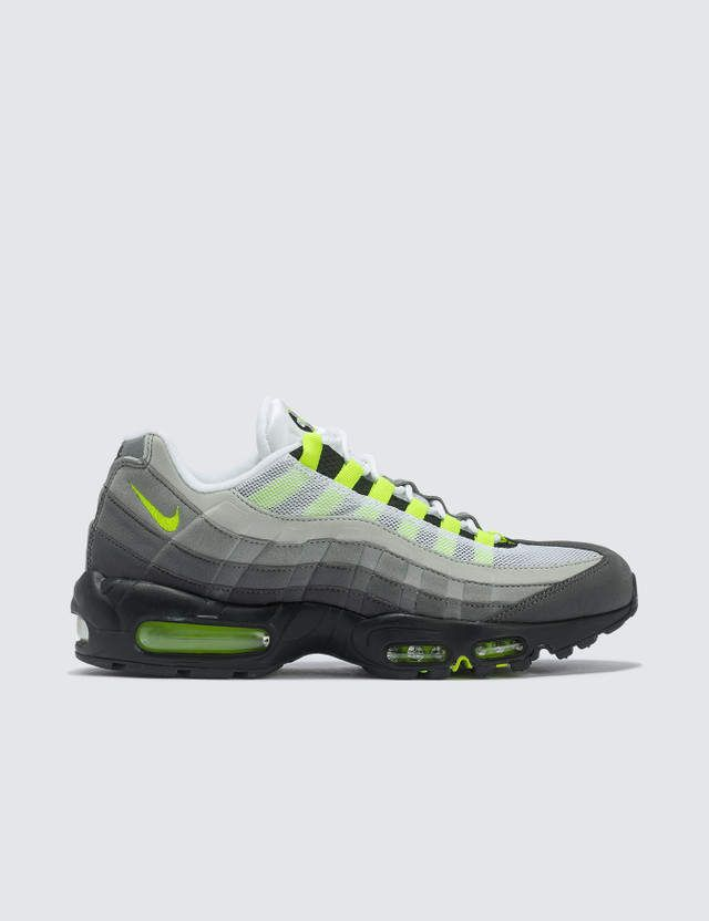 sale retailer b36ec bf05f 95 Og Neon (2015)     Kids Fashion For 10 Year Olds in 2019   Nike neon,  Nike, Air max 95