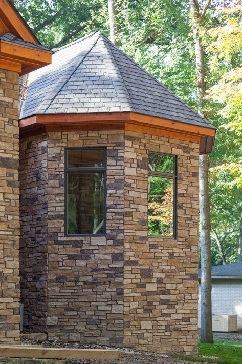 17 best images about landmark stone homes on pinterest for Log and brick home