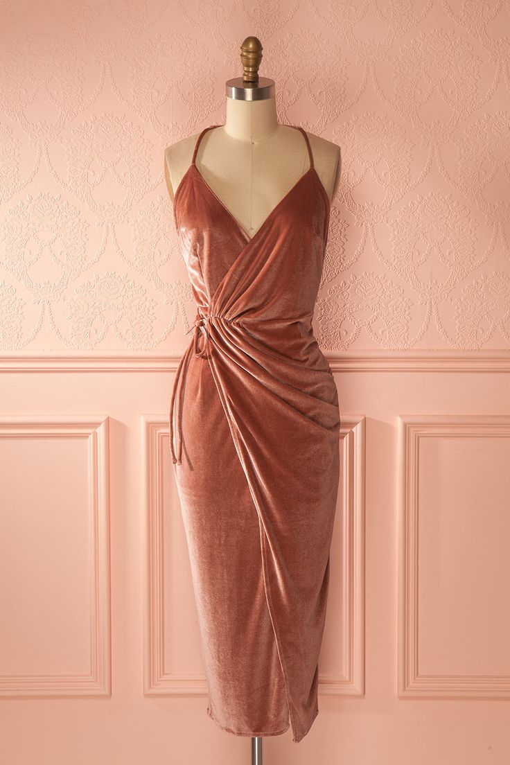 Robe de fête portefeuille en velours vieux rose - Dusty pink velvet wrap party dress